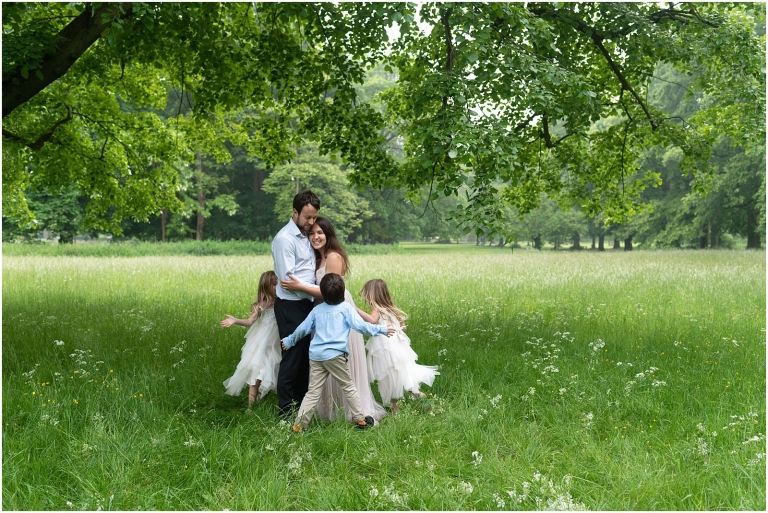 Wimbledon family photography - London lifestyle photographer family playing in park