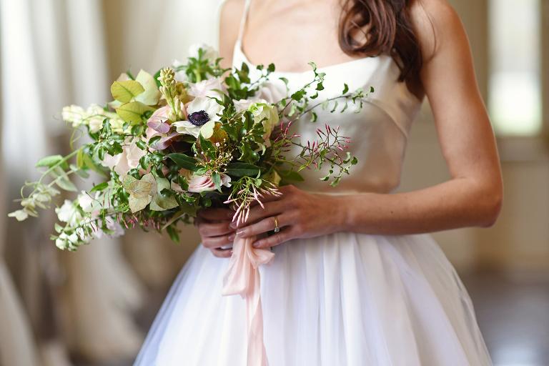 wild and organic wedding bouquet