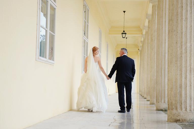 wedding couple holding hands and walking in Károlyi Chateau/ Károlyi Kastély Fehérvárcsurgó