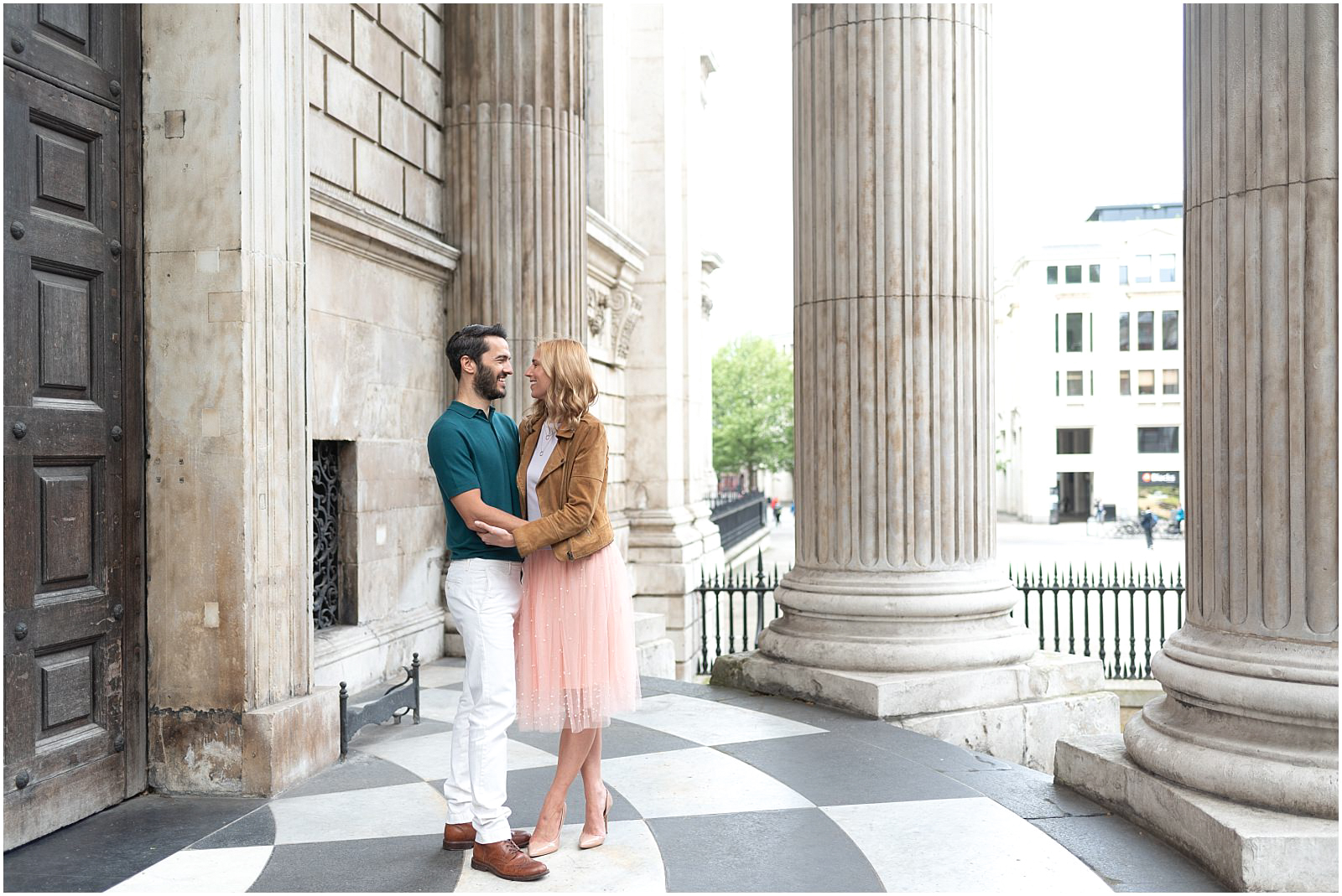 London couple engagement photography st pauls cathedral romantic couple dancing