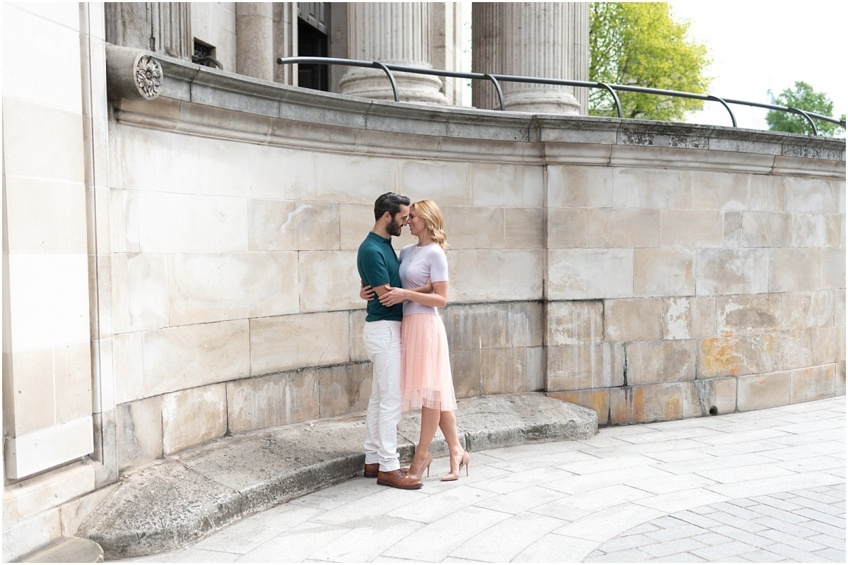 London couple engagement photography st pauls cathedral romantic couple