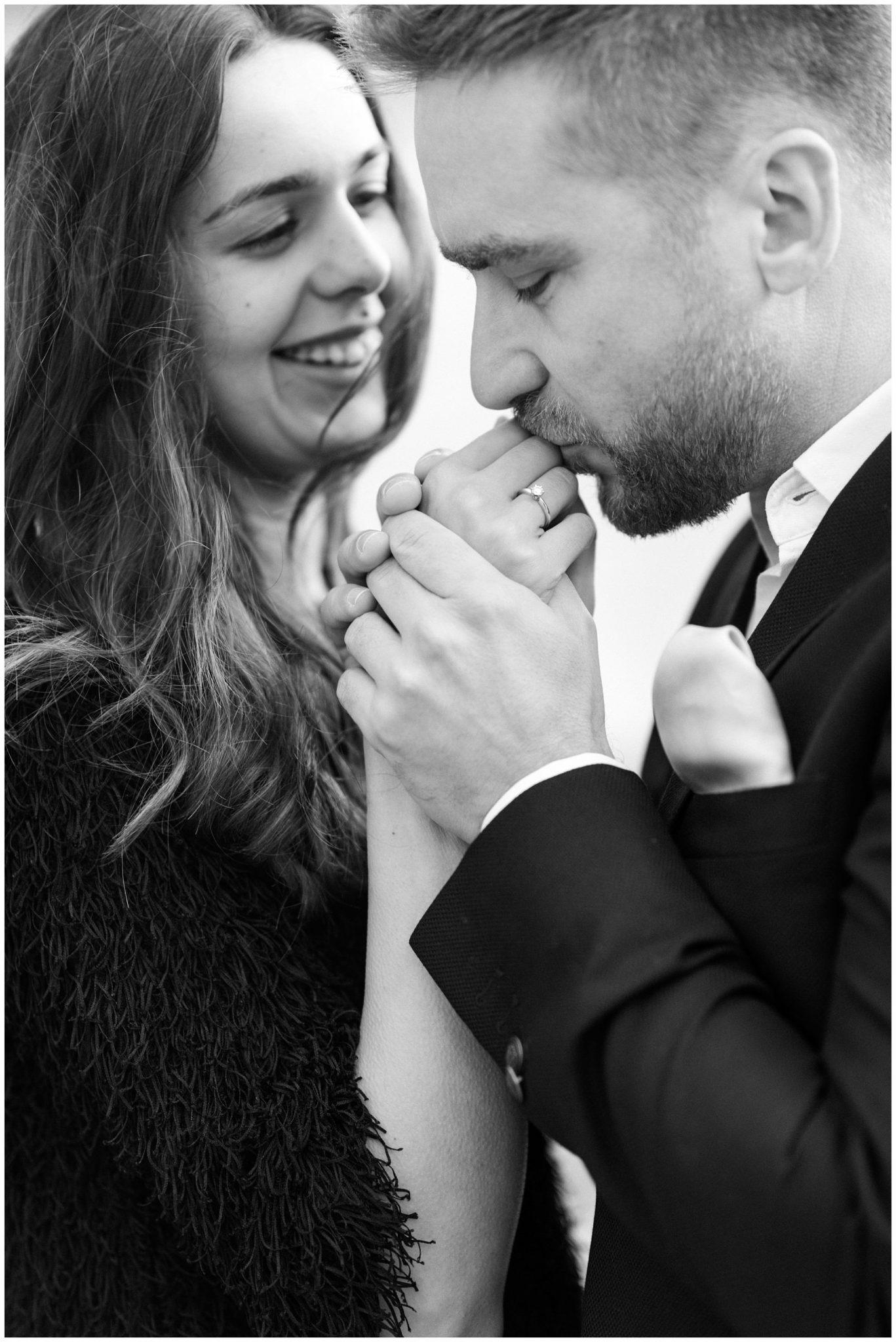 romantic London engagement photography