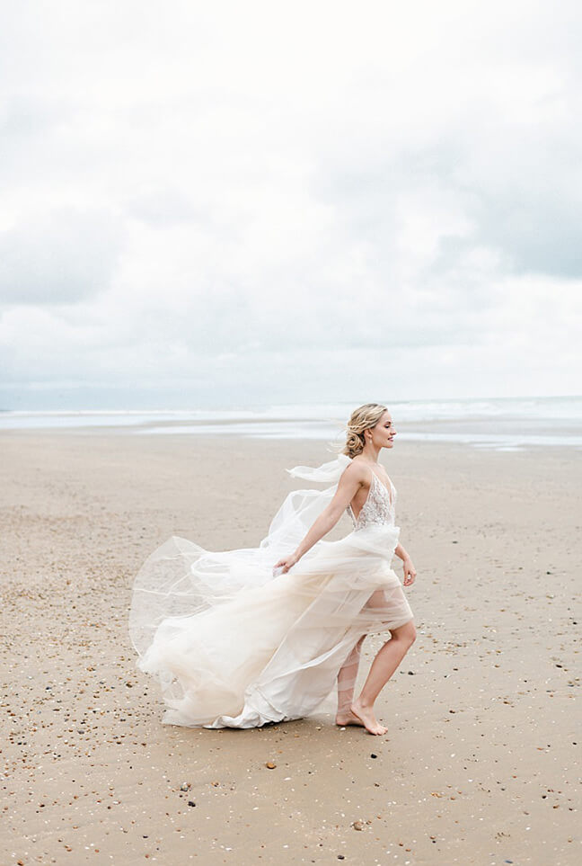 Eva Tarnok luxury wedding photographer seaside bridal