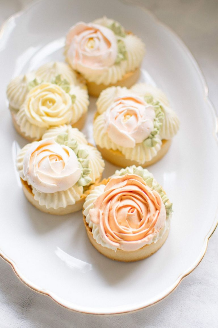 Edible wedding favours by MonAnnie Cakes