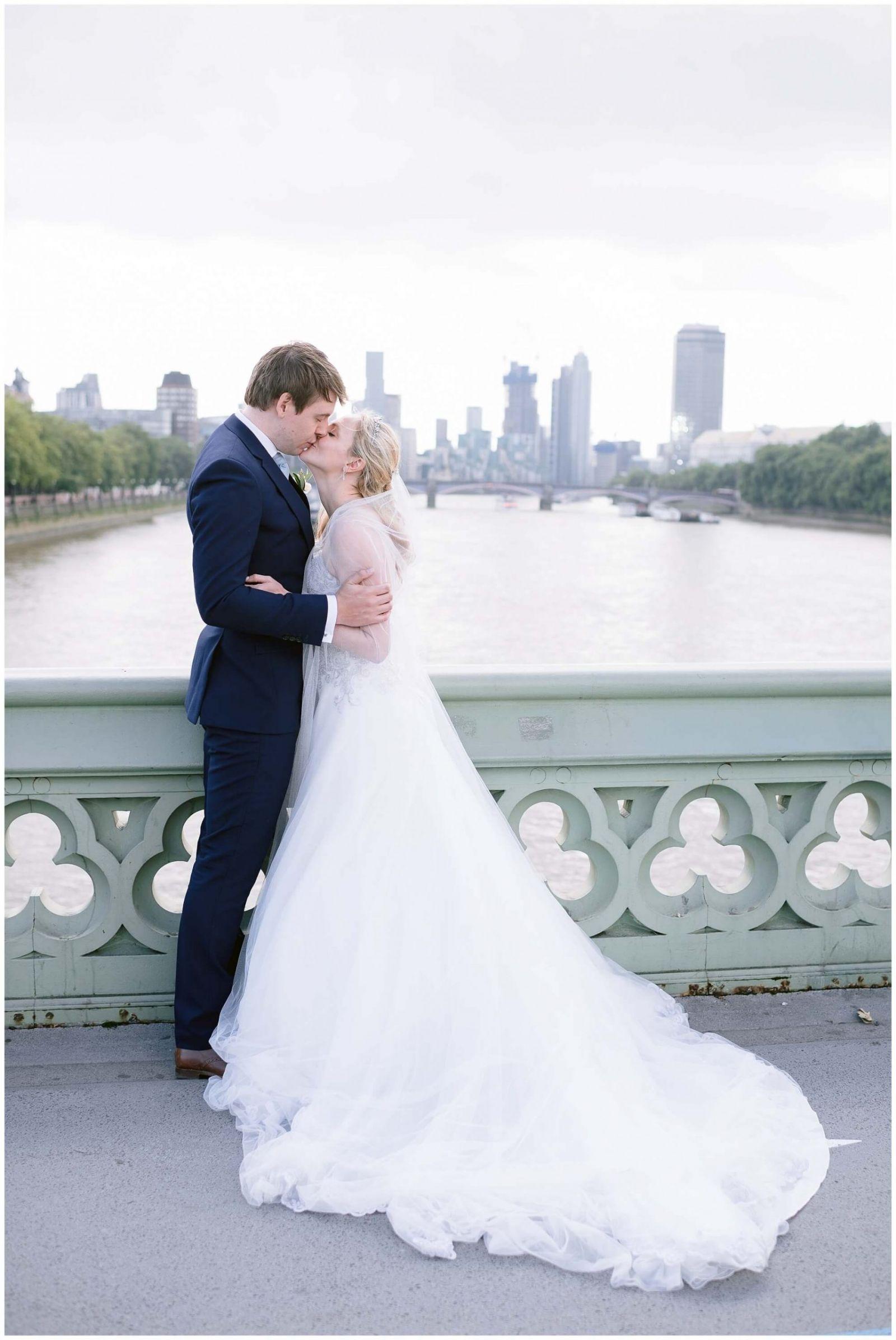 London wedding photographer sunrise photoshoot